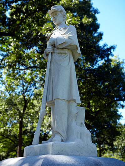 GAR Post 181 monument statue in Oak Grove Cemetery. Image ©2014 Look Around You Ventures, LLC.